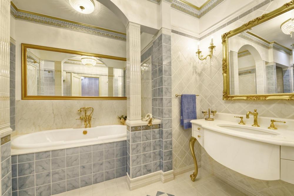 Как очистить зеркало в ванной