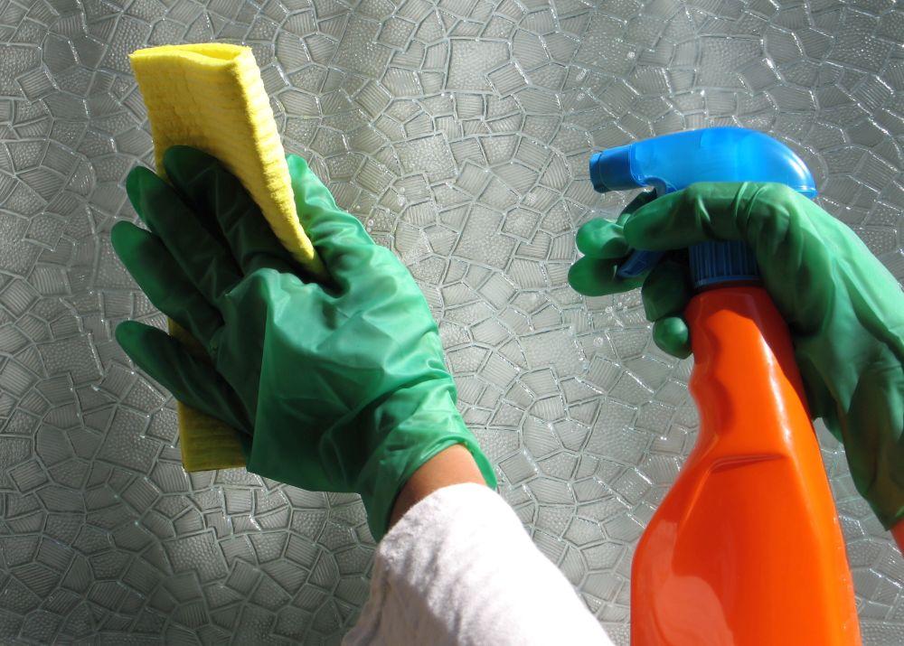 Как отмыть клей от стекла с тонировкой, Супер-клей Момент, обойный, оттереть этикетку